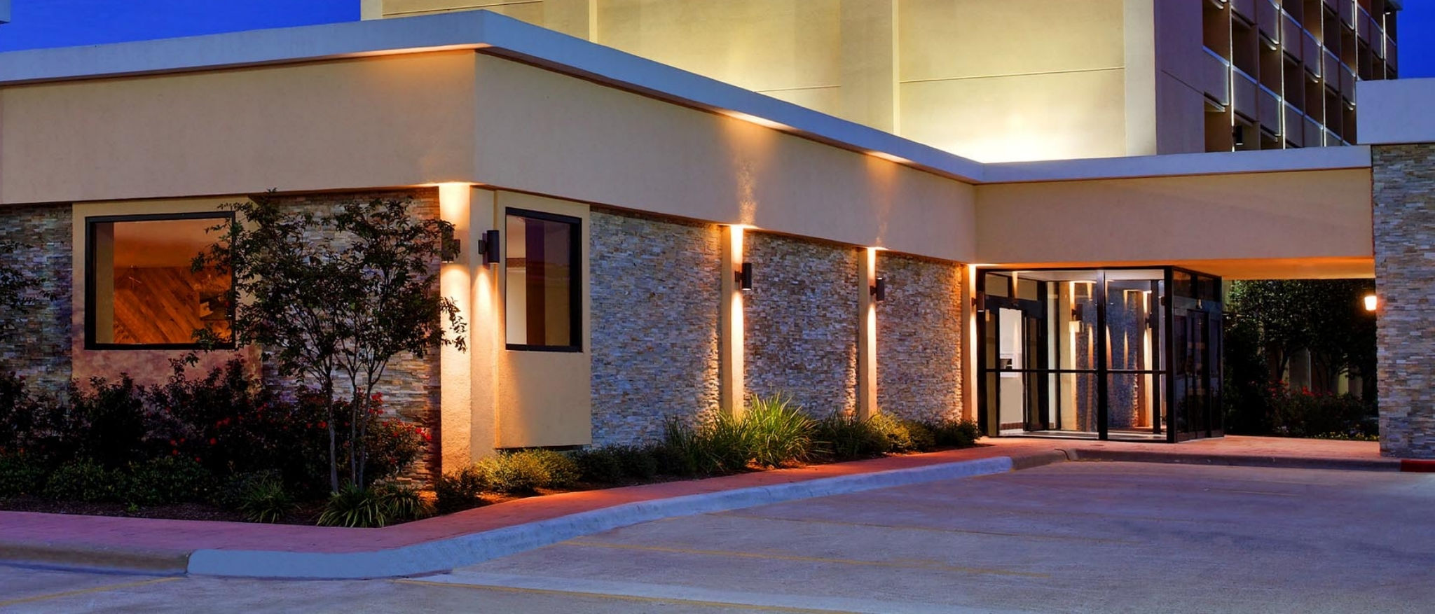 Four Points by Sheraton College Station - Hotel Exterior